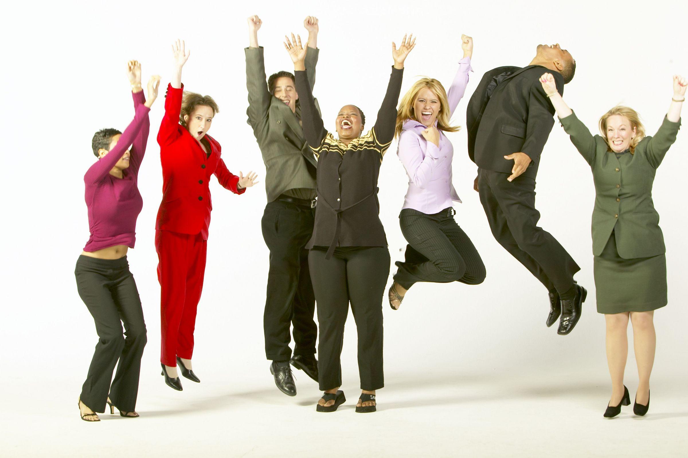 business_gente_salto_felici_vittoria_successo.jpg